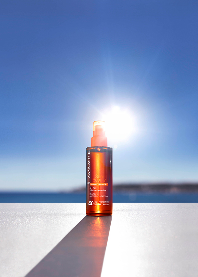 Lancaster-Sun-Beauty-Dry-Oil-Fast-Tan-Optimizer-SPF50+background